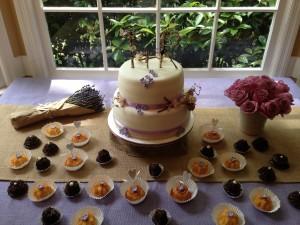 engagement cake decoration